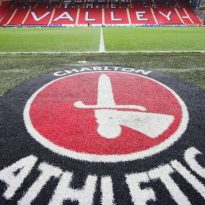 Charlton boss resigns