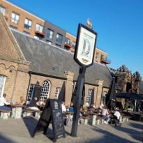 Knifeman Arrested At Woolwich Pub