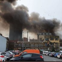 Huge fire engulfs Erith industrial unit