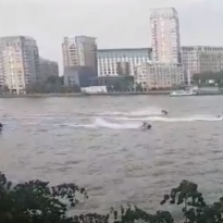 Dramatic Police Chase On River Through Greenwich